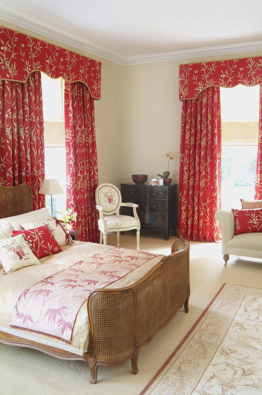 Country french classsic window treatment interior design for Interior design window treatments